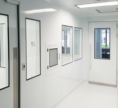 salle blanche modulaire préparation stérile pharmacie