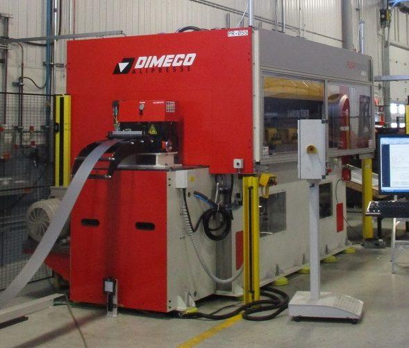 metal press / presse à métal
