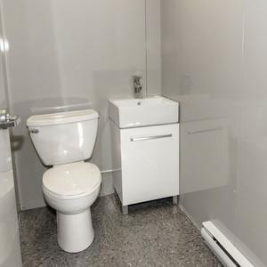 toilet modular building / batiment modulaire toilette