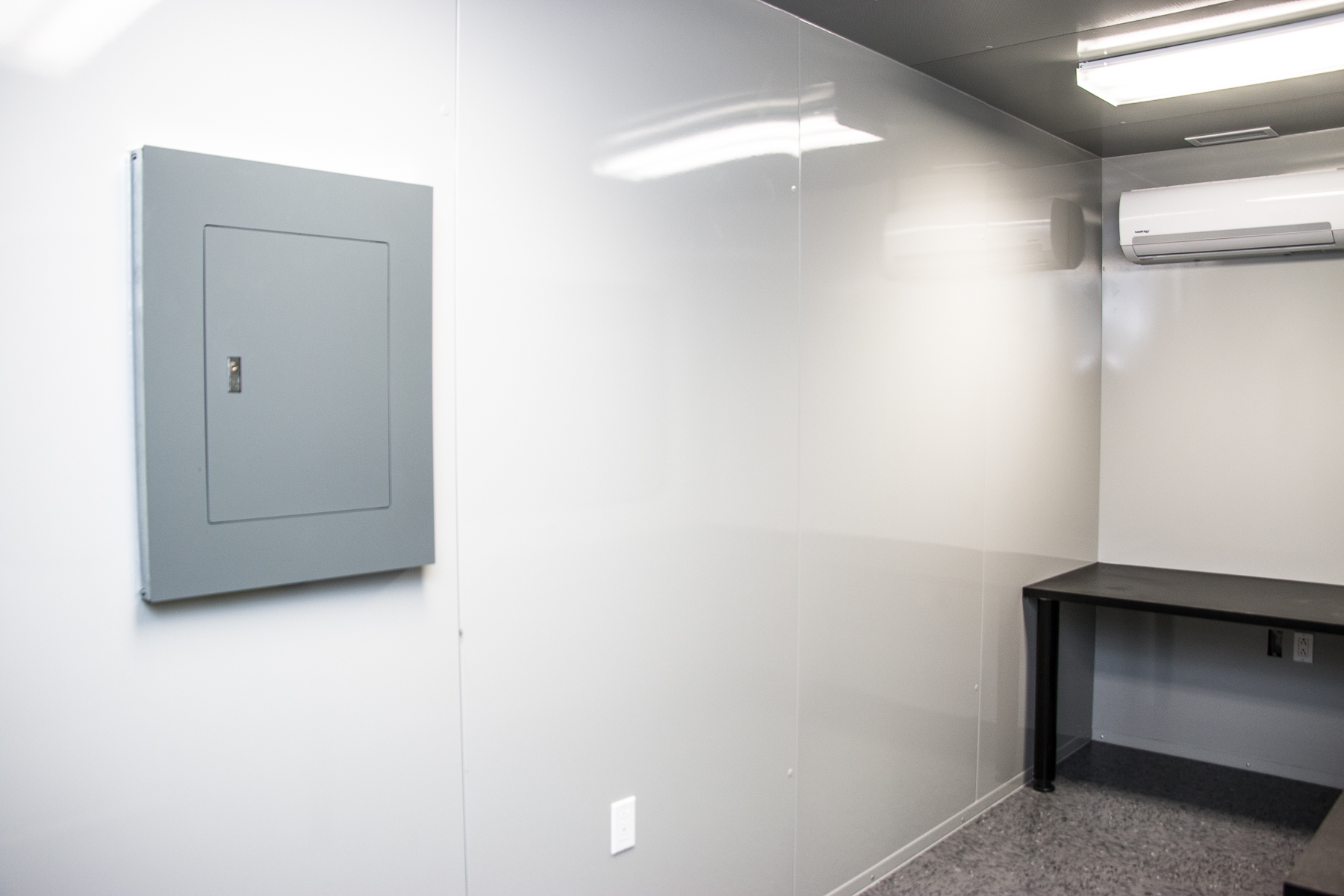 Pre-Assembled Soundproof In-Plant Office | MECART